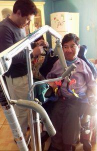 Aquilino aus Chiautla bekam einen Krankenlift